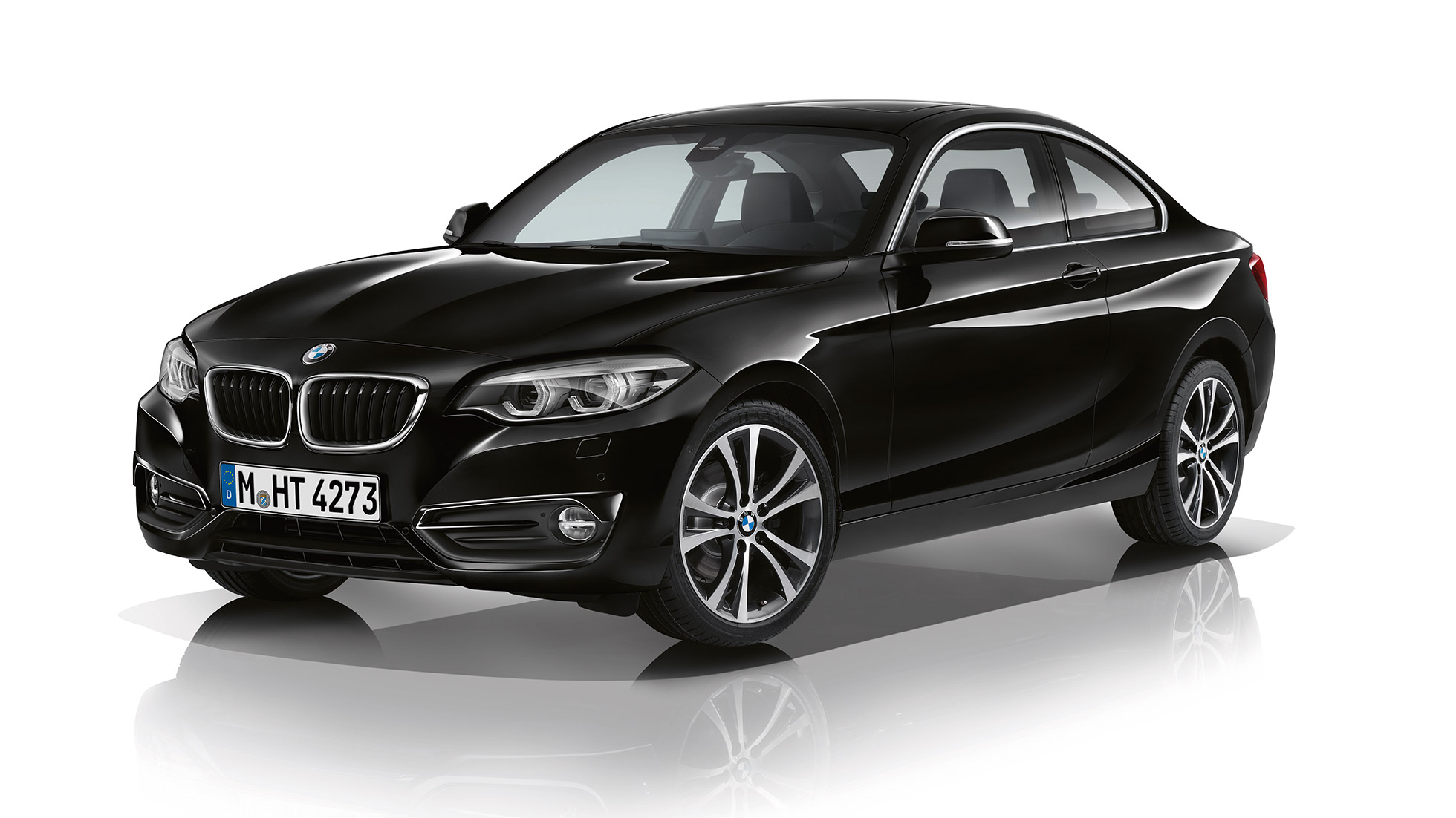 BMW 2 Series Coupé, Model Sport Line three-quarter front shot