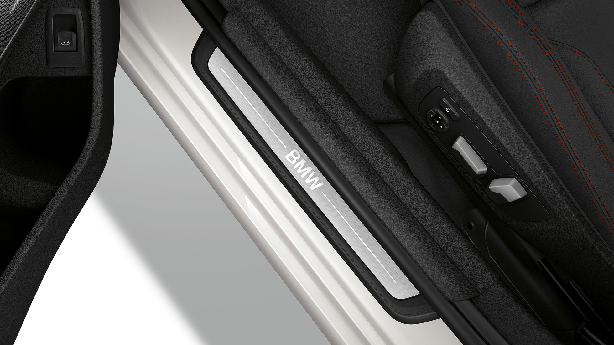 Top view of the door sill of the BMW 3 Series Saloon with Model Sport Line features.