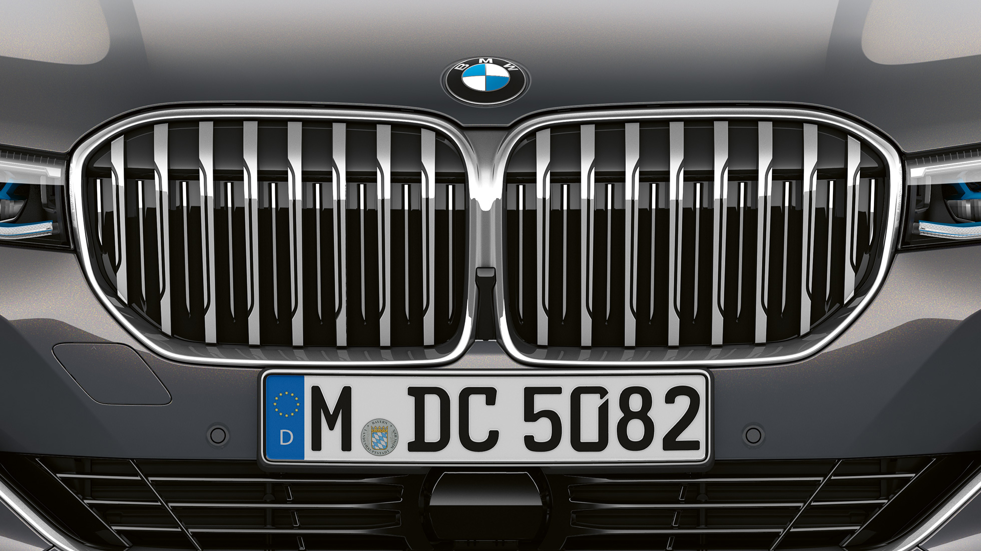 BMW 7 Series Saloon with Exterior Design Pure Excellence: Close-up of the BMW kidney grille