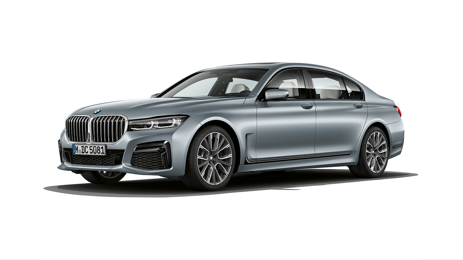 Grey BMW 7 Series Saloon M Sport package in three-quarter front view
