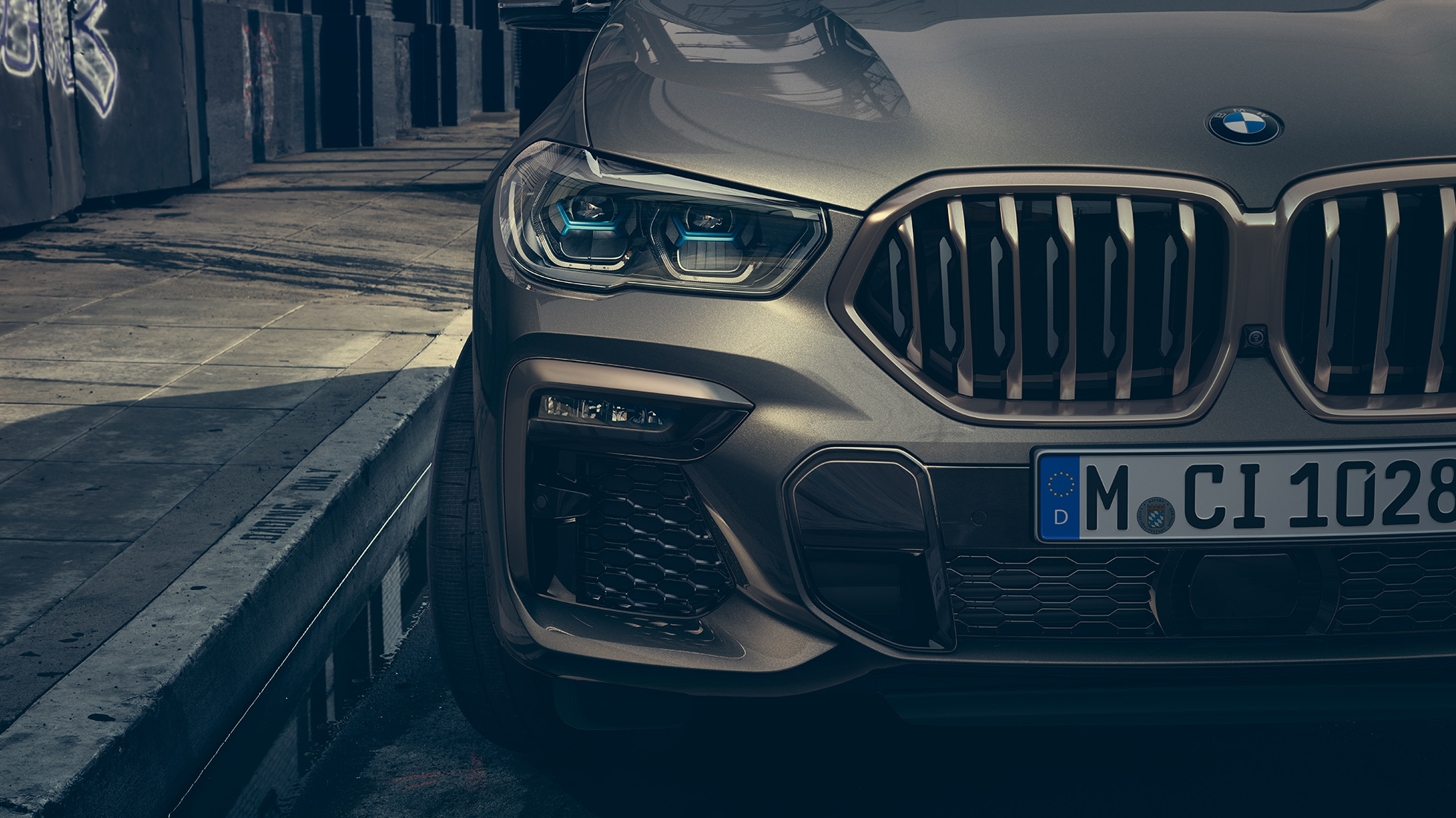 Close-up of the BMW X6 with focus on Laserlight.