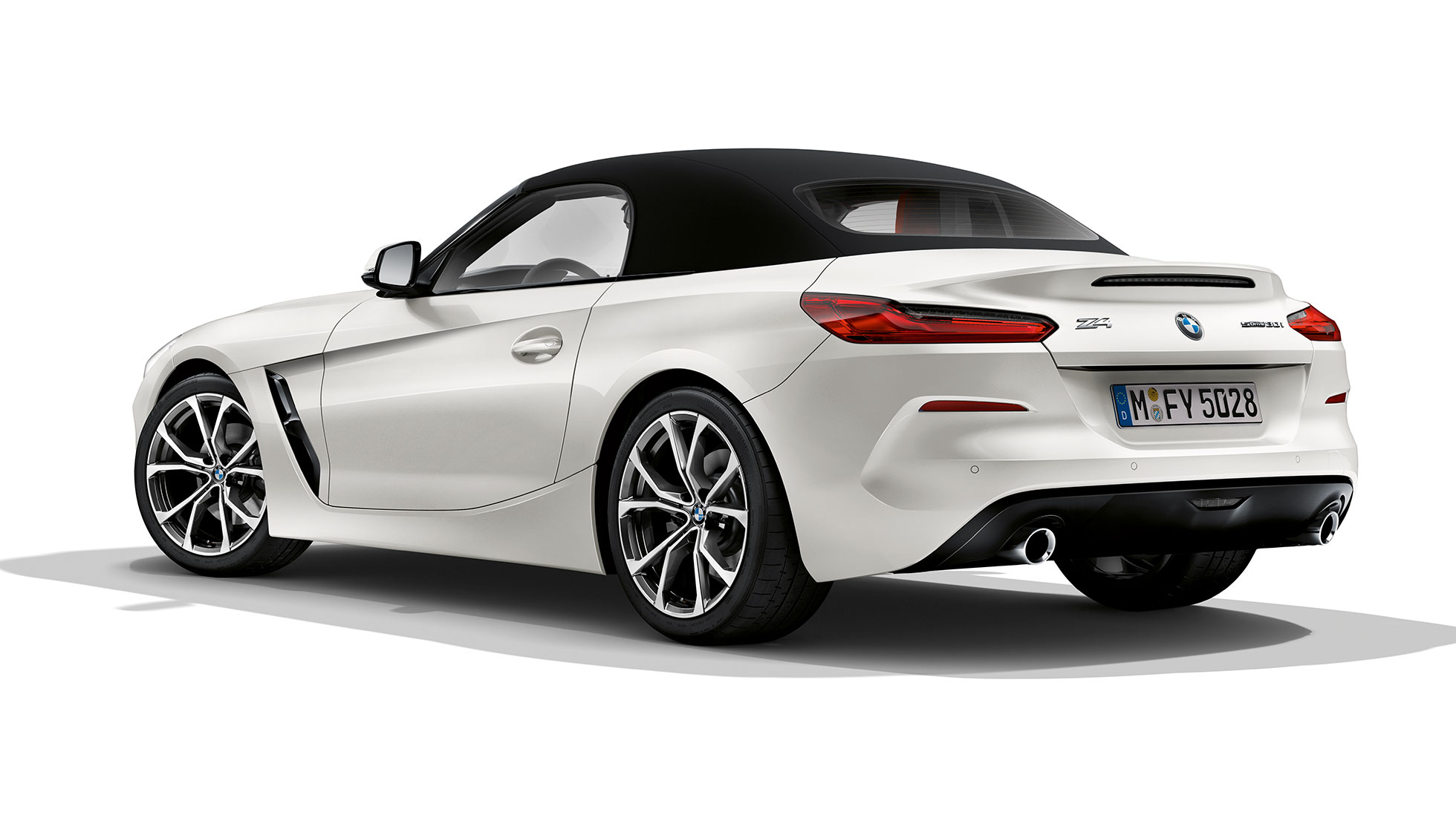 BMW Z4 Roadster Model Sport Linel, three quarter front shot