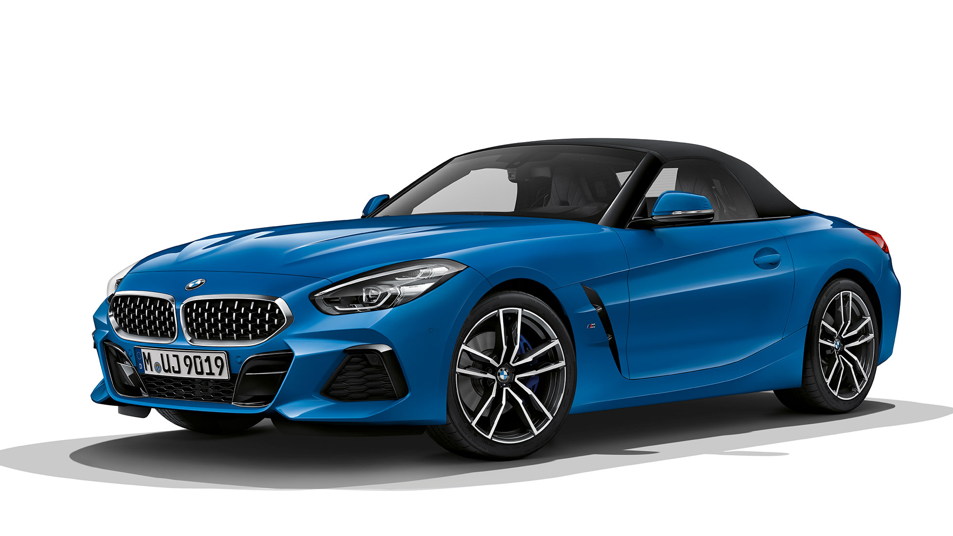 BMW Z4 Roadster Model M Sport, three quarter front shot